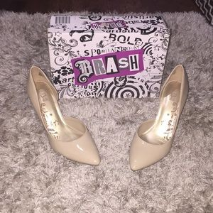 Shoes - Glossy nude heels